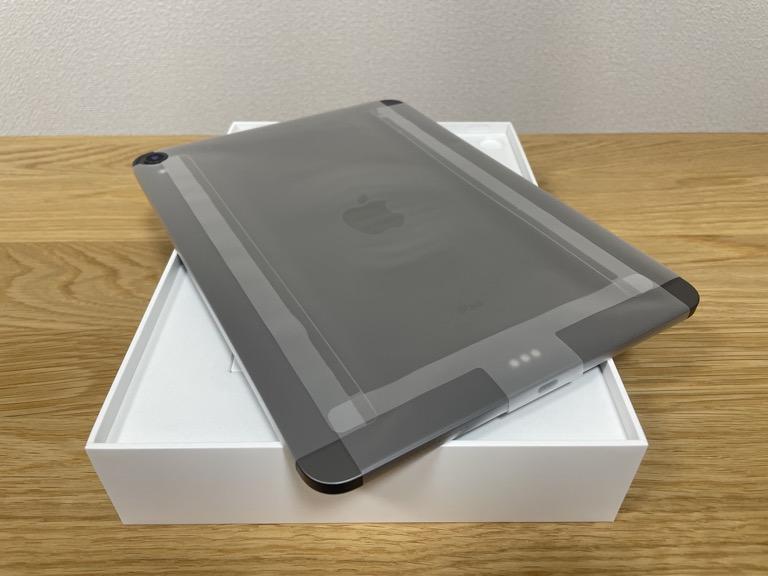iPad Pro 11(2018)の整備済製品を裏面