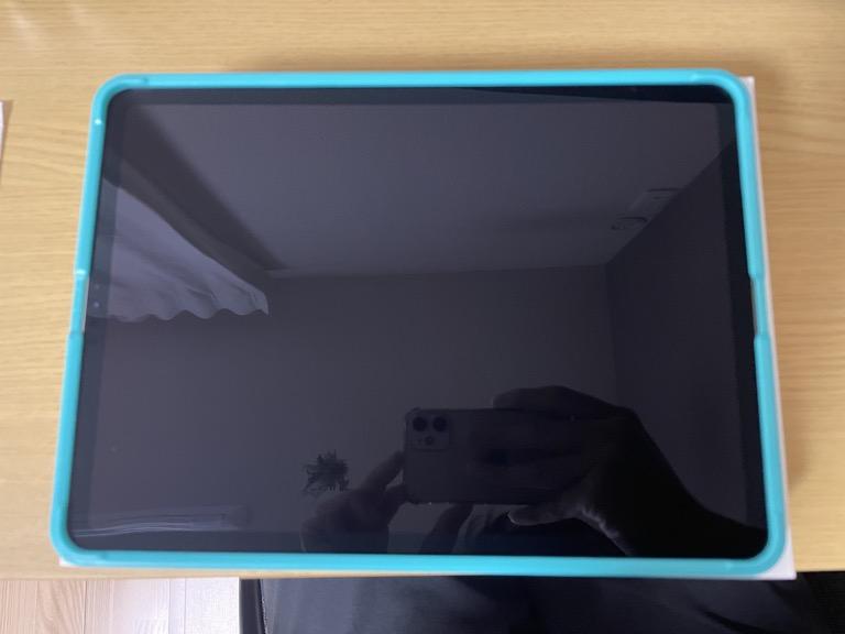 iPad Pro 11(2018)の整備済製品と一緒に買ったESRのガラスフィルムのガイド